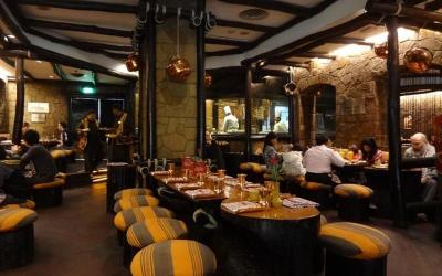 1432030230_bukhara-vrestaurant3.jpg